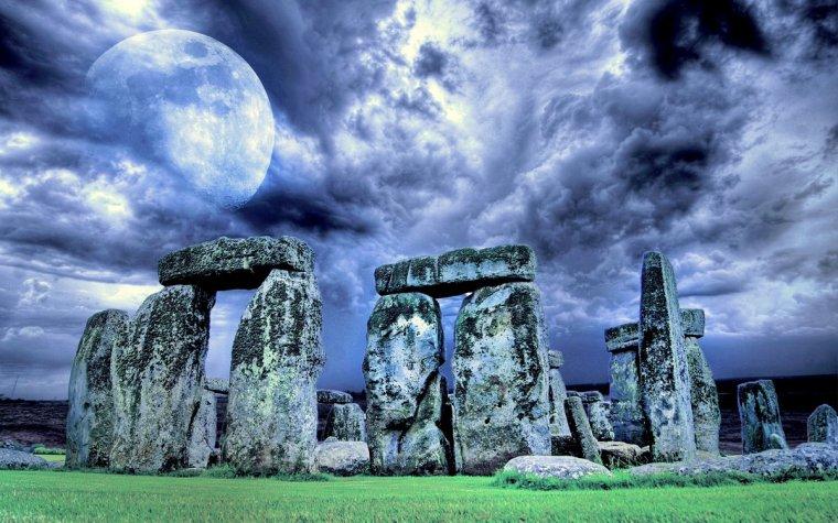 stonehenge-3402627-001