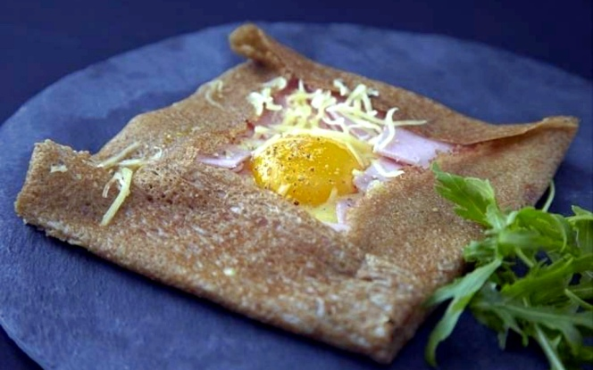 recette-e16680-galette-jambon-oeuf-fromage